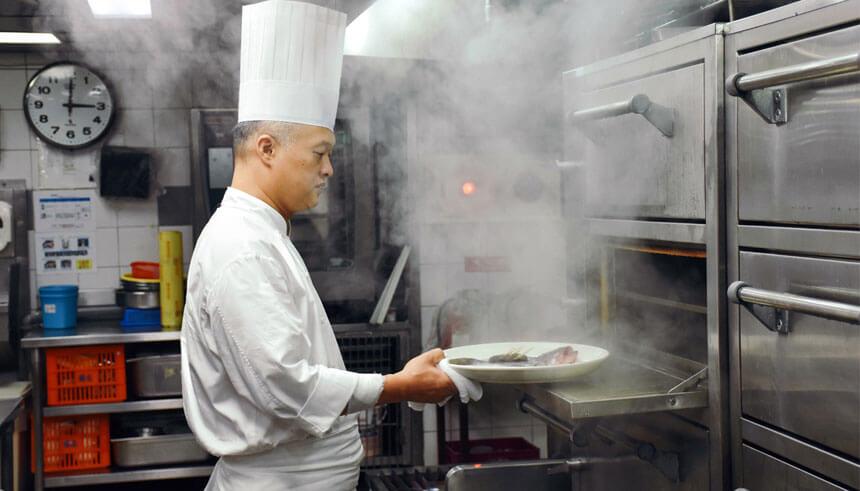 Chef Ben Hsieh steaming the bass at Yun Jie at Grand Hyatt Taipei