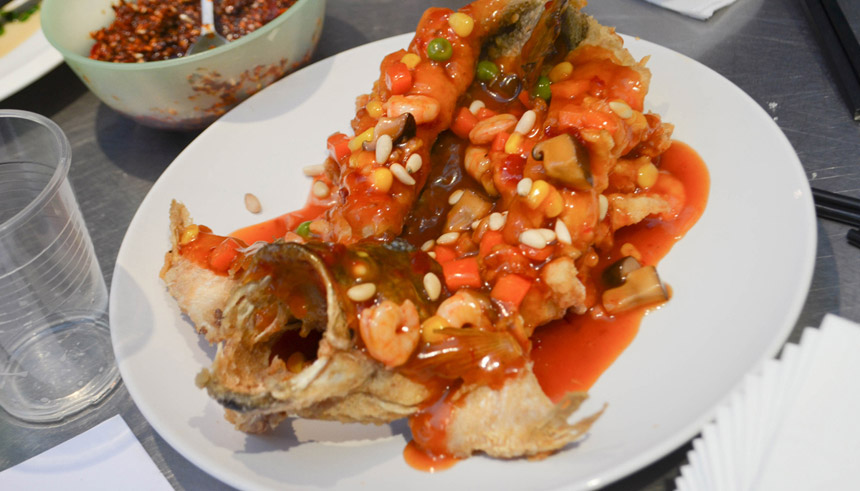 Clarissa wei on cooking squirrel shaped mandarin fish reach further food blogger clarissa wei tries her hand at a sweet and sour seafood specialty forumfinder Choice Image